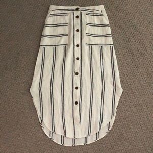 Button up cotton linen market skirt with pockets